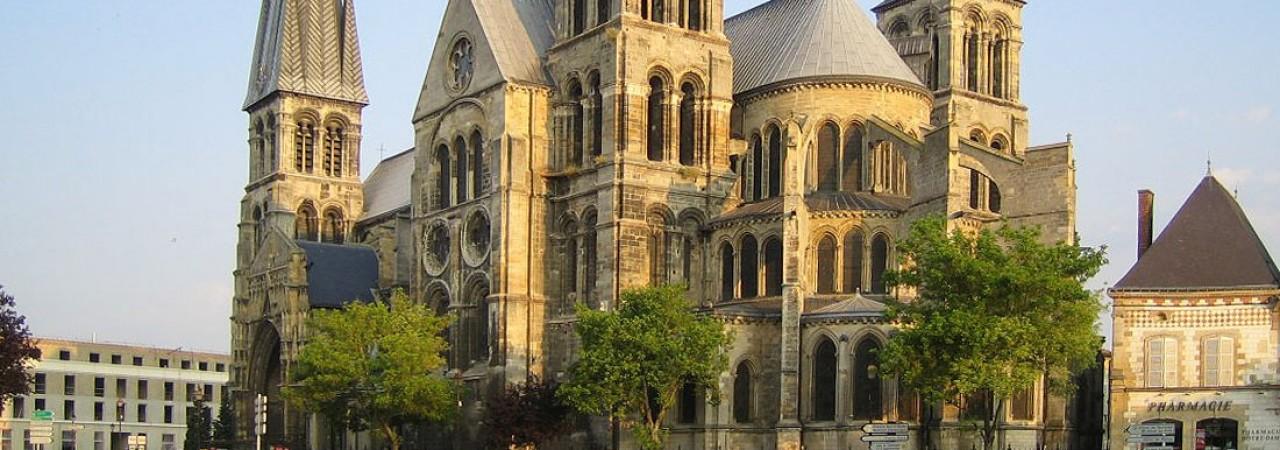 Hôtel étape Chalons en Champagne - Notre Dame en Vaux