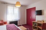 Aperçu d'une chambre double et de son mobilier